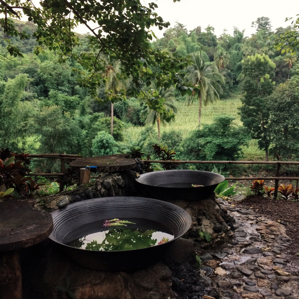 Kawa Hot Bath Of Tibiao Antique: Hot Tub by the River